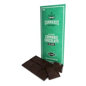 Μαύρη σοκολάτα με πρωτεΐνη κάνναβης.